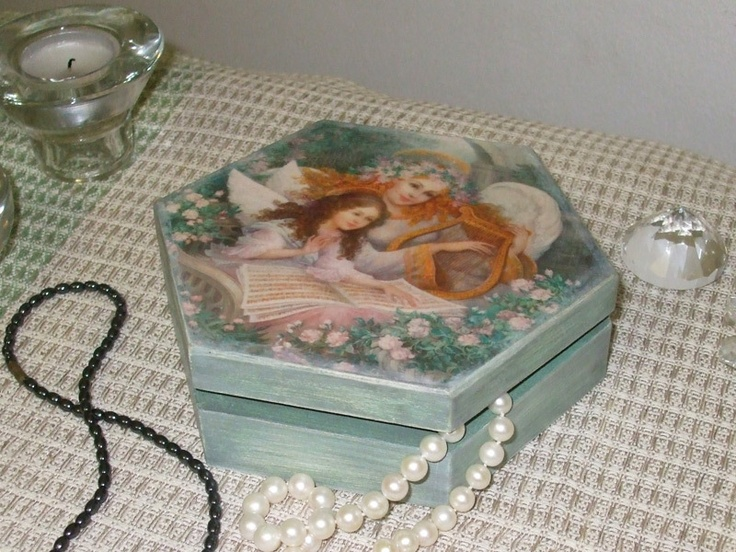 """Jewel box """"Mother and daughter"""" €20 or $25"""