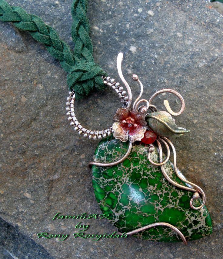 simple green jasper pendant