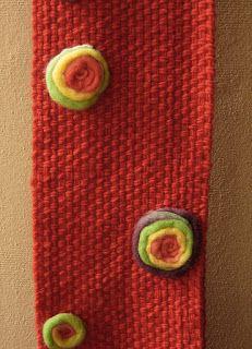 bufanda de lana con aplicaciones