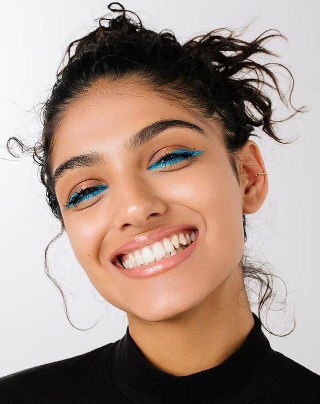 Es muss nicht immer rot sein: Farbe bekennen im Herbst mit blauem Eyeliner! #bla…