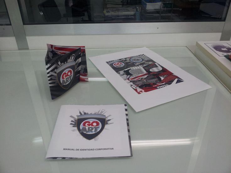 """Proyecto """"GoArt"""" Printed Poster, Tri-fold brochure and the branding sytle manual. Las versiones impresas del Cartel, tríptico y Manual de Identidad corporativa."""