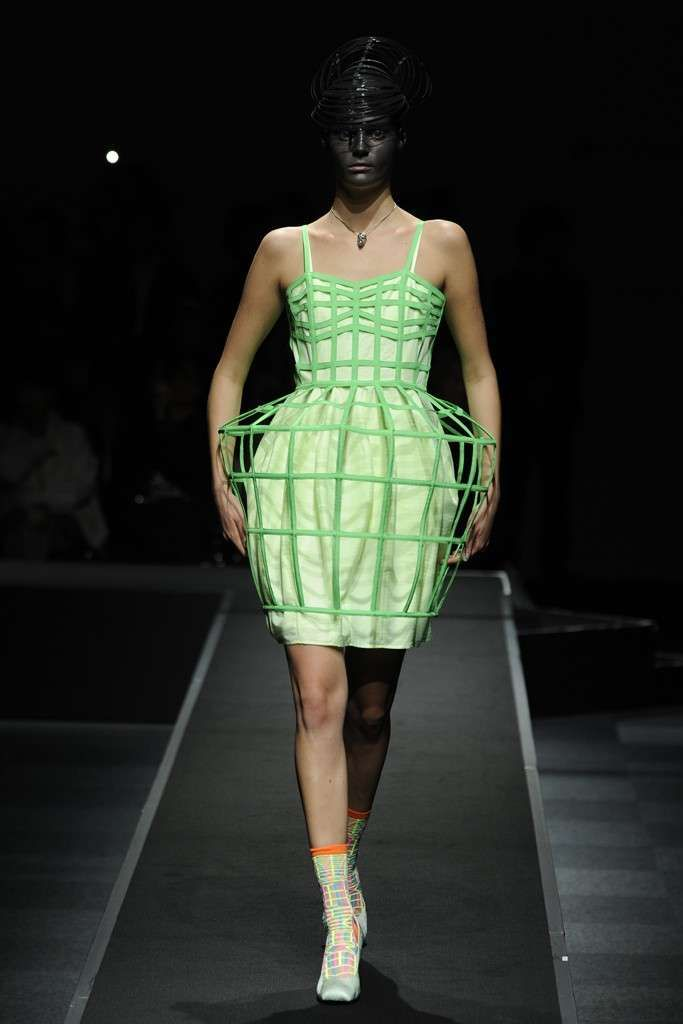 Anrealage Spring 2013  inspired in panniers