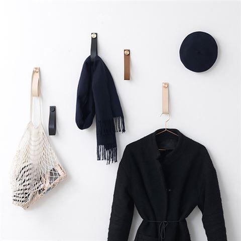 Stropp – Multipurpose Design peg in leather – by Lassen
