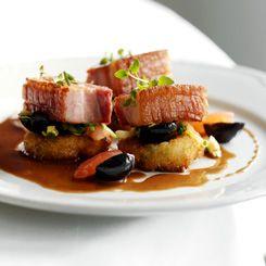 Fynsk grisebryst med Sauerkraut og oliven