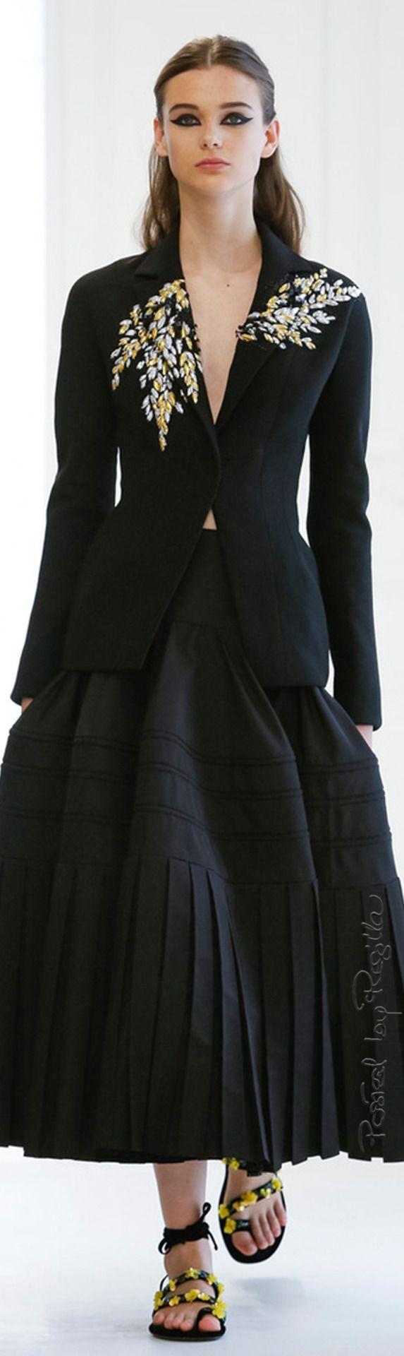 Regilla ⚜ Christian Dior Couture Fall/Winter 2017