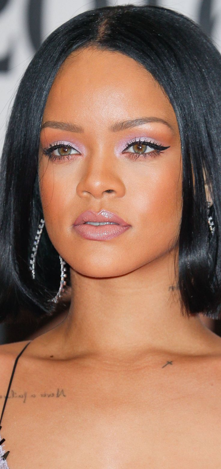 Rihanna - BRIT Awards 2016. Have to do this look one day with the hair. So gorgeous. Her make up artist YUSEF is the