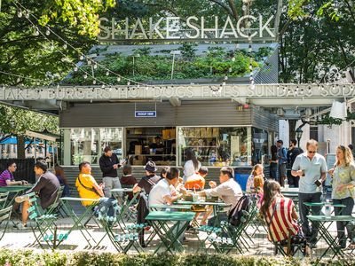 Shake Shack taking over the old Koo Koo Roo space on Santa Monica Blvd in West Hollywood!