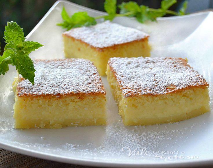 Torta magica al cocco una vera magia , durante la cottura la torta forma 3 strati di consistenze diverse, provatela al cocco, davvero golosa e delicata