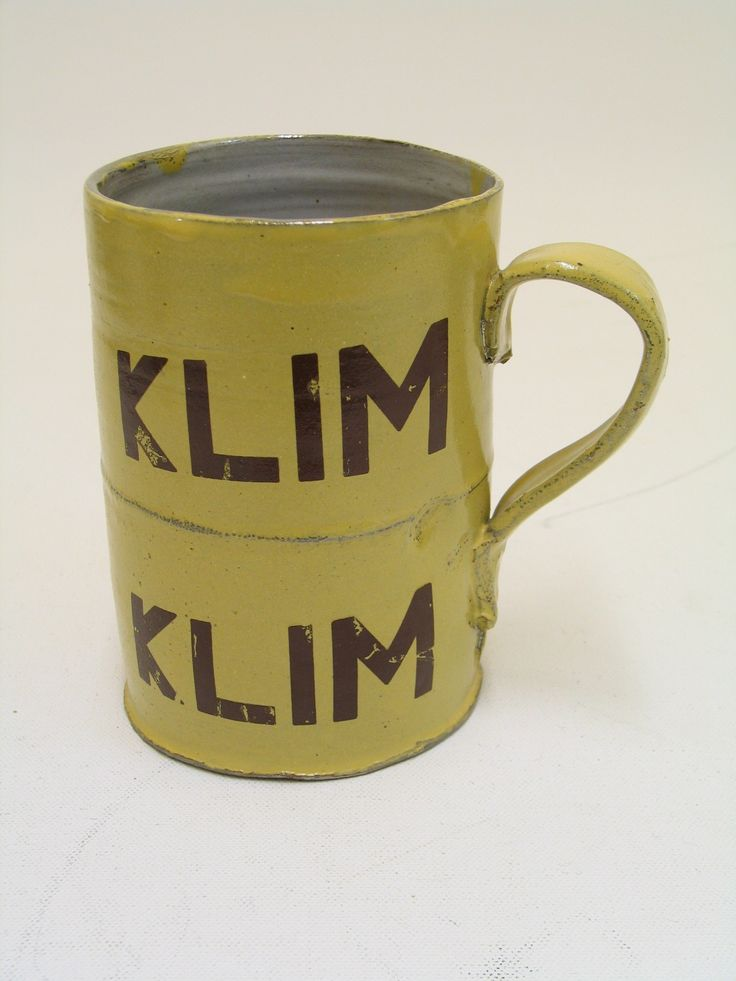 Souvenir mug from the 1975 30th anniversary reunion of the Ex-Air Force Prisoner of War Association in Canada. From the collection of the Air Force Museum of New Zealand.