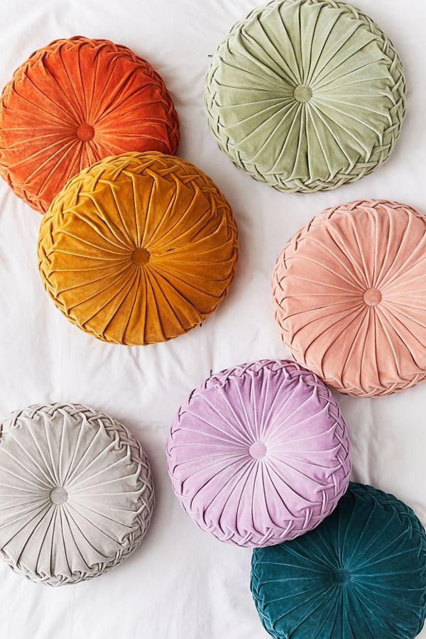 Round Pintuck Pillow Ma3ilaria Ple3imo