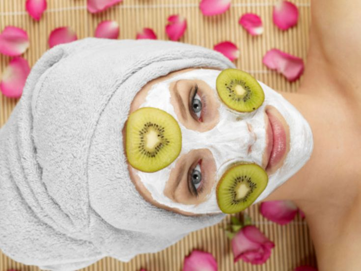 Two Easy DIY Pore-Unclogging, Damage-Fighting Face Mask Recipes