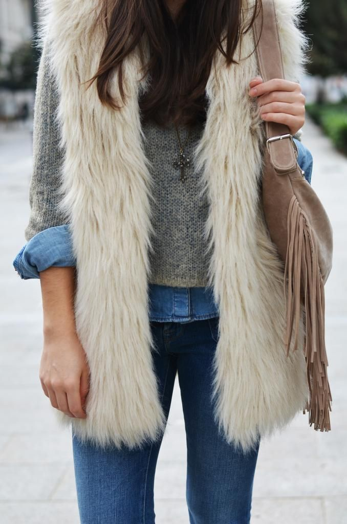 I LOVE this!!!!!  Long fur vest....want, want!