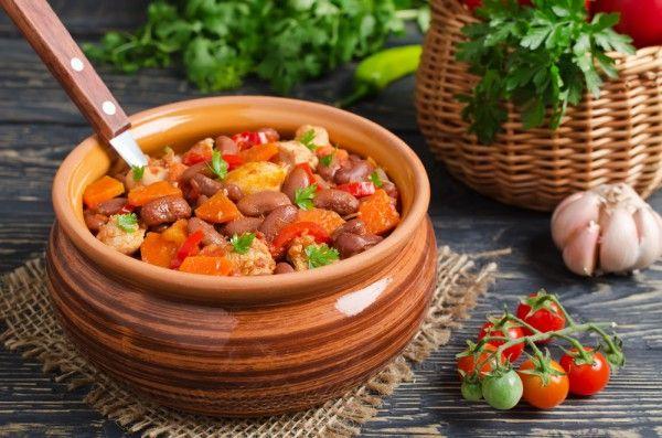 Жаркое с курицей и красной фасолью, ссылка на рецепт - https://recase.org/zharkoe-s-kuritsej-i-krasnoj-fasolyu/  #Птица #блюдо #кухня #пища #рецепты #кулинария #еда #блюда #food #cook