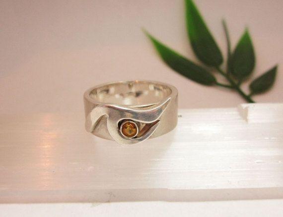 Zilveren ring met citrien edelsteen van Karen Klein Edelsmid. Unicum.