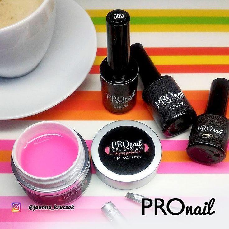 Nasz żel budujący PROnail Shaping Perfection I'm so pink w słoiczku prezentuje s...