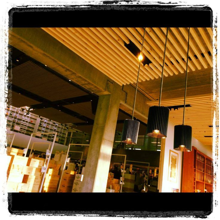 Crombé Kortrijk opening Coolfin BoxII black-gold / Coolfin suspended #LED #architecturallighting