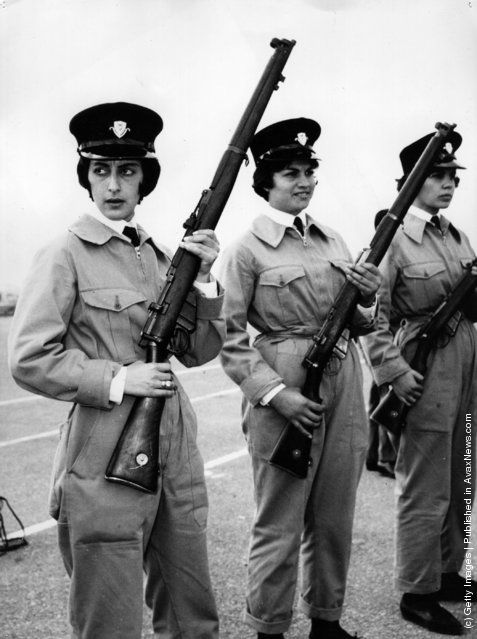 Greek-Cypriot policewomen in Cyprus receive arms training during the troubles there. (Photo by Central Press/Getty Images). 29th February 1964