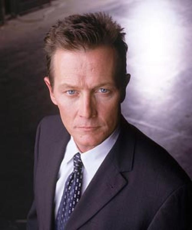 "Robert Patrick as John Doggett in ""The X Files."""