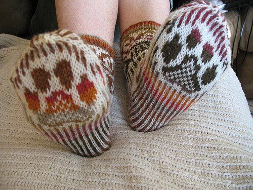 Knitting Pattern For Cat Socks : 17 Best images about Knit Fair Isle on Pinterest Fair ...