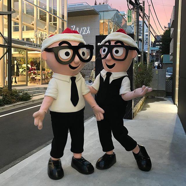 ドメニコ・ドルチェとステファノ・ガッバーナのクローンが来日! 明日12月24日と明後日12月25日の13時から18時まで青山店にて接客を担当してくれるそう。@dolcegabbana #dgclone #dgaoyama