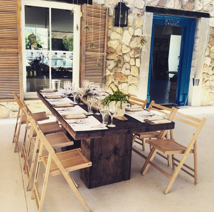 Ready to roll with an African experience lunch for many of the overseas guests! Bastiaanskloof.