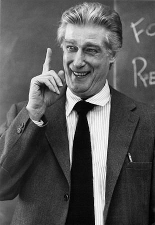 Richard Mulligan who did some appearances as his Empty Nest character on Golden Girls.