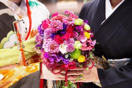 クラシカ表参道様のご結婚式、和装のブーケでした。 花嫁様がおしゃれすぎる! 許可をいただいて、お写真をご紹介します。 ・・・・・...