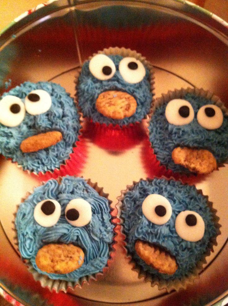 Cookie Monster cupcakes.