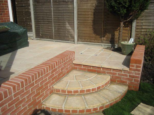 Good Warm Red Garden Brick Patio Walls   Best Patio Design Ideas Gallery