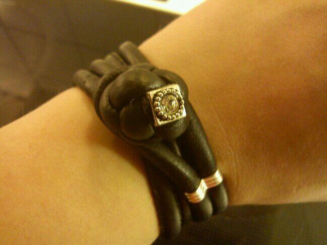 Armbånd med blomsterknude (flower knot bracelet)