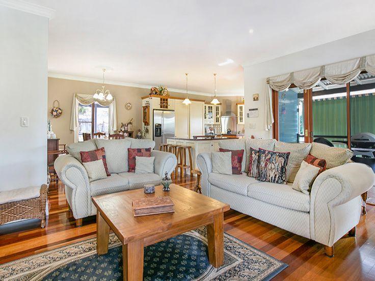 Living room - Coreen Manor Mount Samson