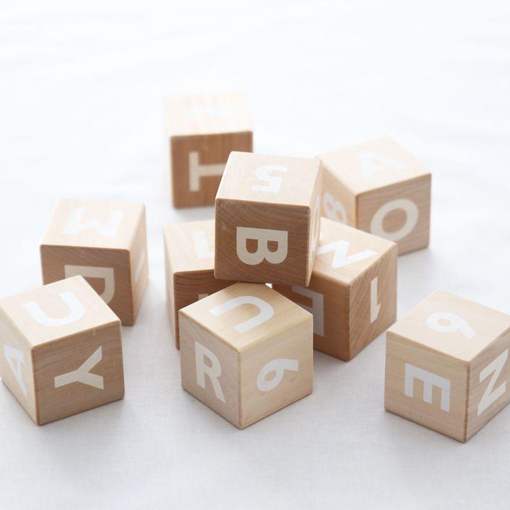 Cubos de madera con letras white veobio - Cubos de madera ...