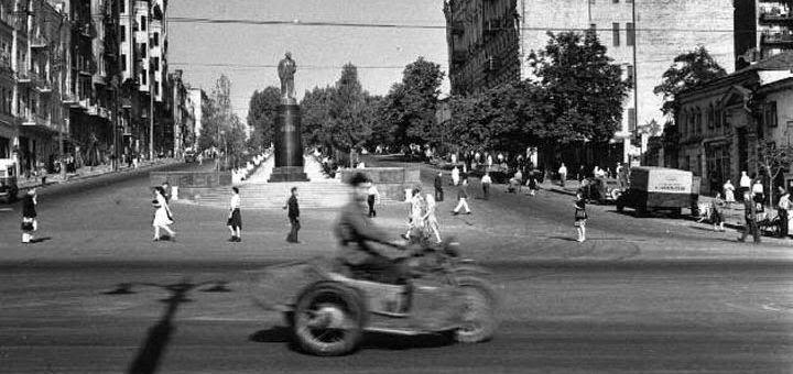 Вот каким увидел Киев в 1947 году всемирно известный фотограф Роберт Капа - http://pixel.in.ua/archives/10507