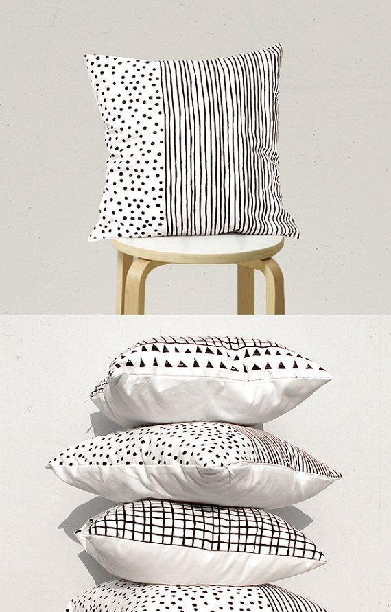 Hoi! Ik heb een geweldige listing gevonden op Etsy https://www.etsy.com/nl/listing/219822784/decorative-pillow-geometric-pillow-kids