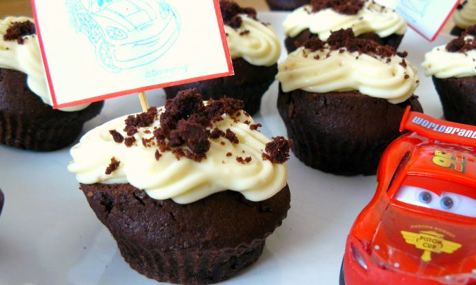 Čokoládové cupcake s tvarohovo pudinkovým krémem