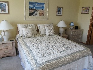 Charming, comfy, semi oceanfront Outer Banks condo overlooking the pool.
