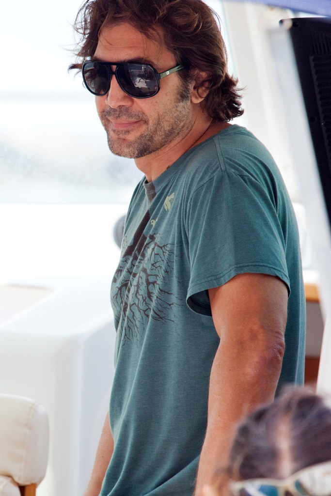 JAVIER BARDEM... so sexy! It's the guy from no country for old men!