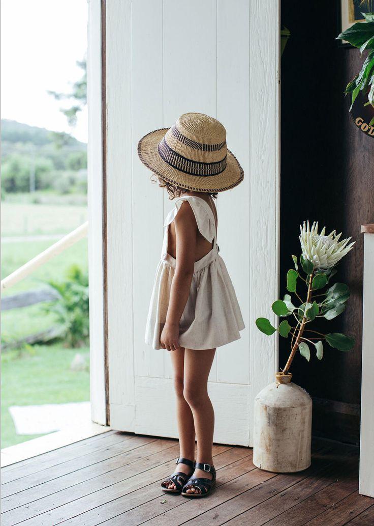 ¿No es adorable?  #niña #chica #kid #child #sombrero #hat #pingletonhats…                                                                                                                                                     Más