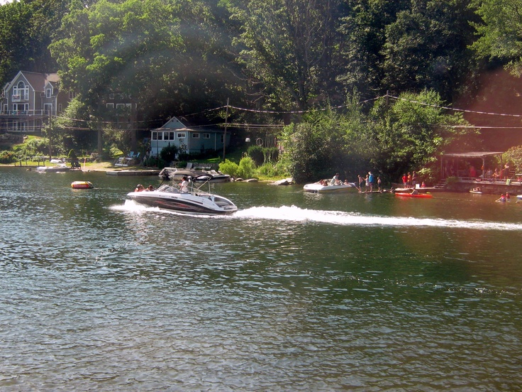 Dock your boat and dine at LakeView Restaurant.  Summer vacationers in the many bungalows on Coventry Lake take a boatride to dinner.  A skyplane once landed on the lake to dine at LakeView Restaurant.