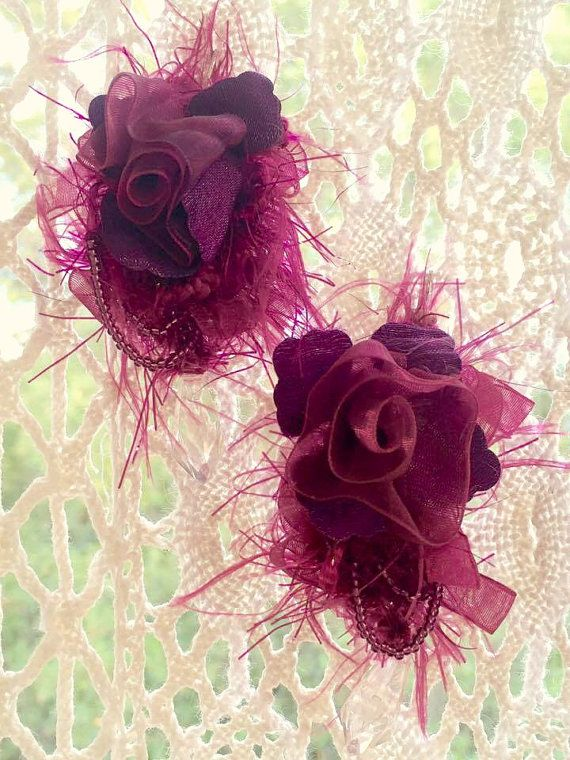 Boucles d'oreilles roses couleur grenat  par Myromanticmarket