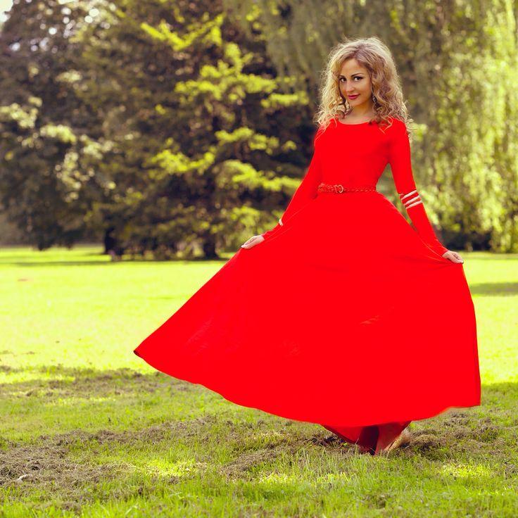 red dress by Lunique.ru