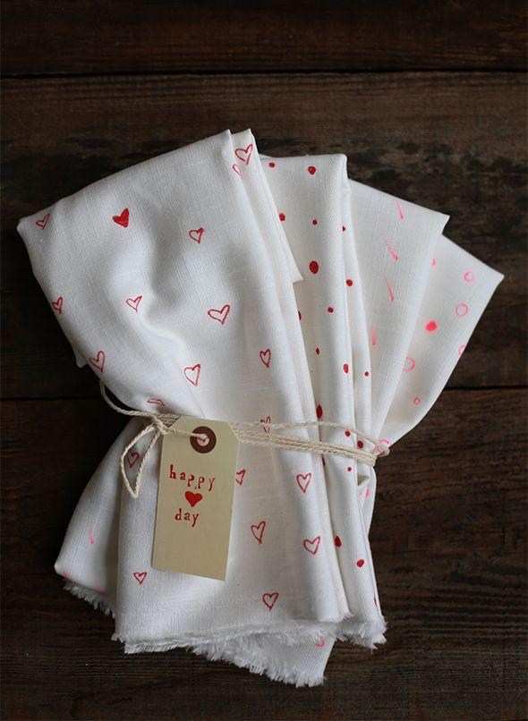 {DIY Valentines Day Decorated Tea Cloths}