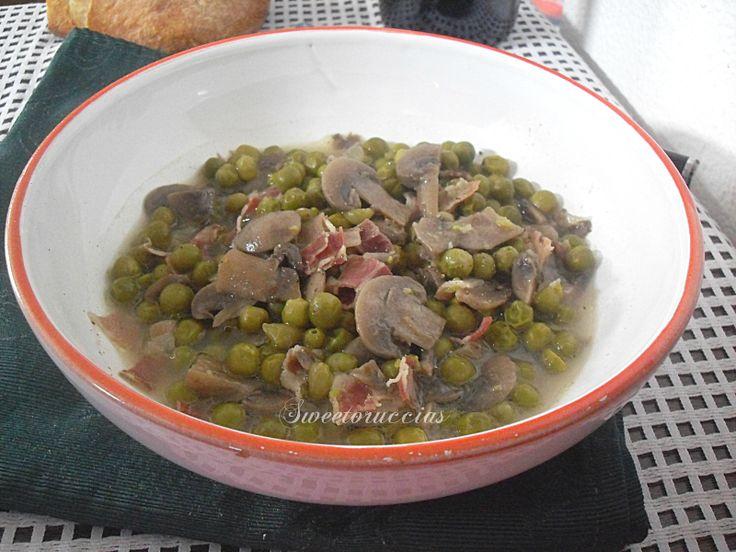 Zuppa di piselli con funghi e pancetta