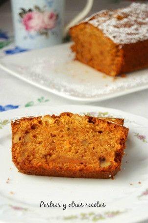 Bizcocho de zanahoria y nueces Delicioso para la merienda o desayuno. Su receta en:http://postresyotrasrecetas.blogspot.com.es/2017/04/bizcocho-de-zanahoria-y-nueces.html