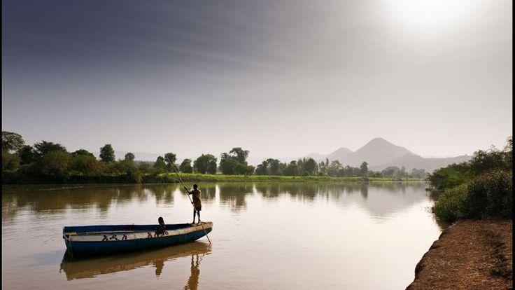 Les eaux placides du Nil Bleu de son vrai nom «Abbay» débute à Bahar Dar en bordure du lac Tana et s'achève dans les chutes de Tissisat.