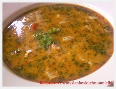 Zupa pełna smaku gyrosa,kolendry i papryki.Bardzo lubię takie zupy,dają moim zmysłom wiele przyjemności.Na co dzień rzadko preferuję takie zupy ,wolę bardziej
