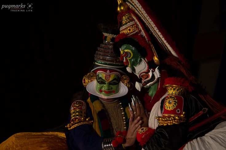 Kathakali is one of the most popular art form of Kerala. It comes under the genre of art - 'story play' where the performance are performed by male artists primarily, but now females are also part of it. The artists wear colorful make-up, masks and elaborate costumes.