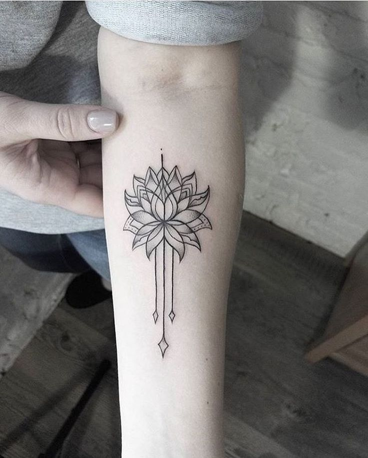 I like the off shoots, maybe some kind of off shoot going down the outside of my forearm