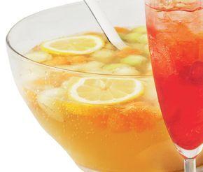 Läskande, frisk och alkoholfri bål med olika sorters melon, fläderblomssaft, citron och fruktsoda. Ta ut kulor ur melonerna med kuljärn. Frys gärna in och ha i som isbitar.