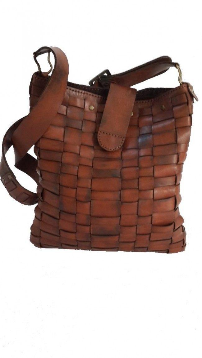 El yapımı deri çanta (Gerçek dana derisi geçme şerit gövde, dekoratif el dikişli, metal aksesuarlı)